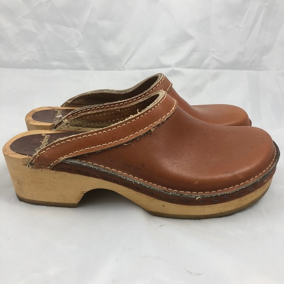 8be7b65def Vintage Olof Daughters Leather Swedish Clogs. M 5bbfae47a5d7c696c9ba5913